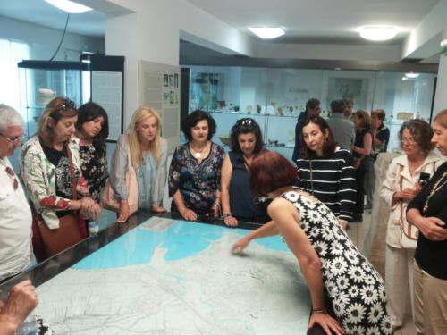La delgazione di Samo a Crotone per il gemellaggio - visita al Museo 3